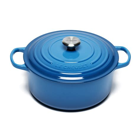 le creuset light blue casserole dish le creuset signature cast iron round casserole dish 28cm