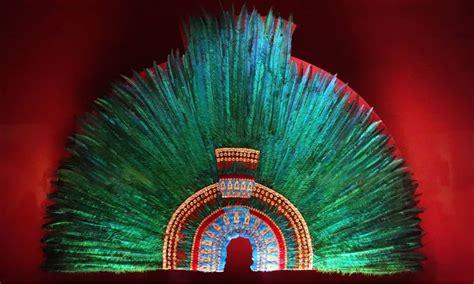 Arte plumario de Michoacán, la sombra de los dioses | El ...