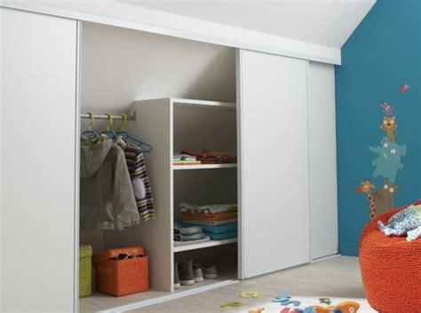 porte de chambre leroy merlin choisir une porte coulissante de placard sous pente