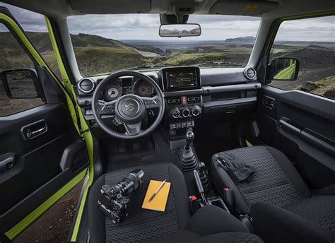There are places in the world only the jimny can go. Suzuki Jimny sí llegará a México - Motores MX