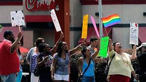 Gay rights activists kissing to protest Chick-fil-A | CTV News