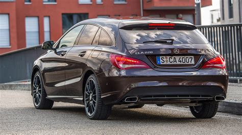 Mercedes have always had the ability to innovate and the new cla brings an affordable dash of cls glamour to the range. Mercedes CLA 220 CDI Sport Shooting Brake (2016) review by CAR Magazine