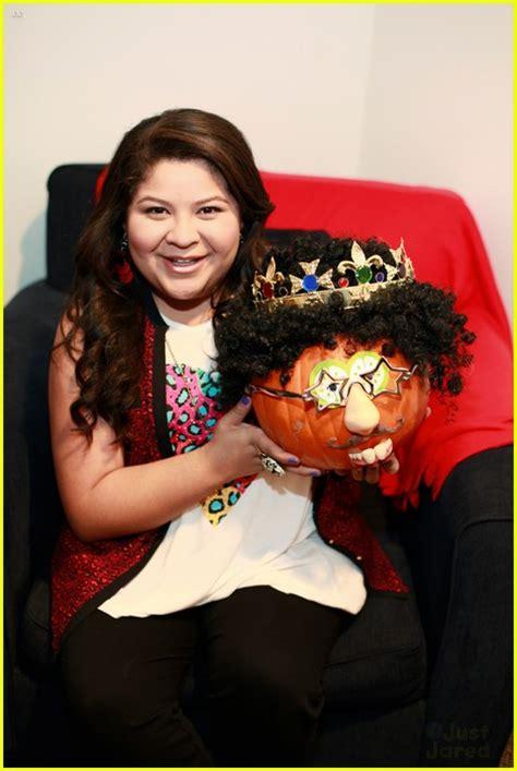 ross lynch laura marano share pumpkin pics photo
