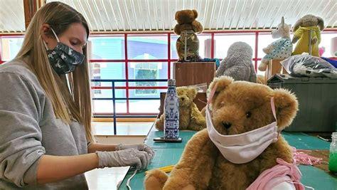 masks teddy bear vermont face coronavirus workers medical
