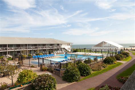 Poolside Rooms (red Jacket Beach Resortguest Rooms) Red