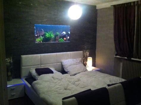 aquarium in der wand schlafzimmer my castle millioninc 30832 zimmerschau