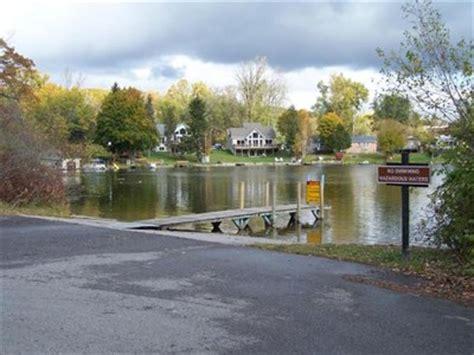 Lake Fenton Boat Launch by Lobdell Lake Boat R Argentine Michigan Boat Rs