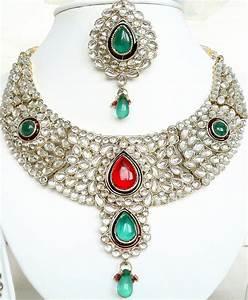 Latest Fashion Trends: kundan jewellery necklace