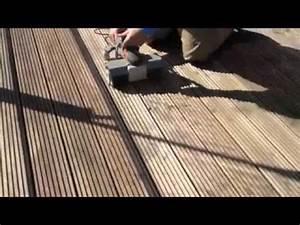 Ponceuse quad renovation de terrasses bois youtube for Machine a poncer parquet