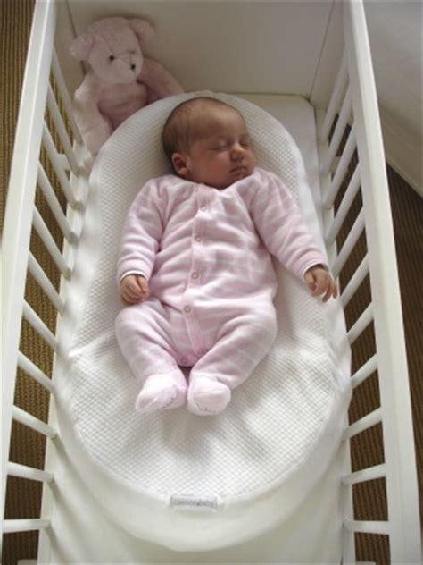 comment faire dormir bébé dans sa chambre petit précis du bébé comment faire dormir un bébé