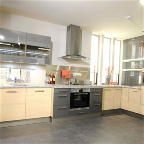 cuisine stormer kitchen set with corner work surfaces of stormer