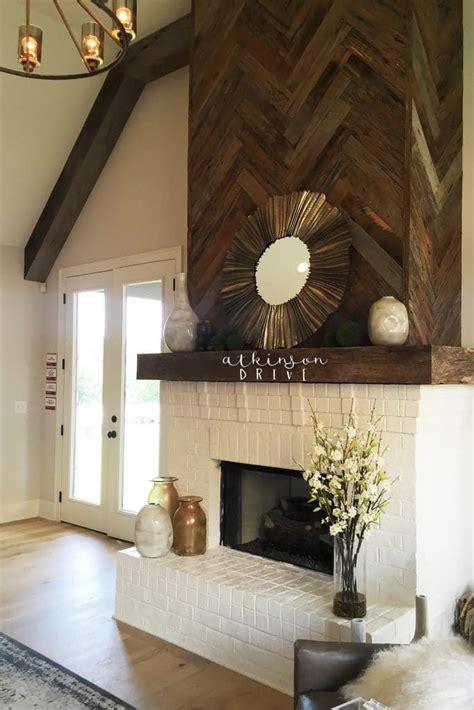 how to replace kitchen backsplash best 25 herringbone fireplace ideas on 7345