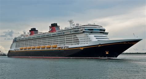 Disney Fantasy Adds Longer Cruises from Port Canaveral 2017