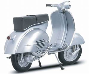 Auto Art Piaggio Vespa Scooter GS150 1957 112 Scale Model