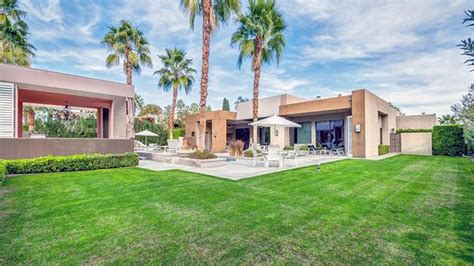 Elizabeth Taylor's Former Palm Springs Vacation Home