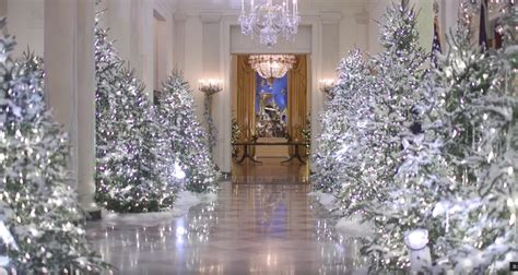 trump white house decorated  christmas