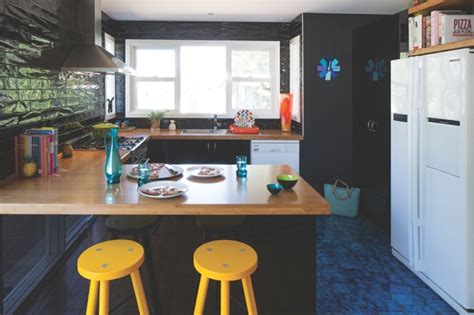 idee cuisine en u cuisine en u avec bar pour un espace lumineux et fonctionnel