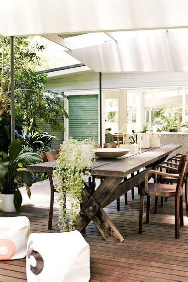 astuce de rangement cuisine terrasse en bois style vintage