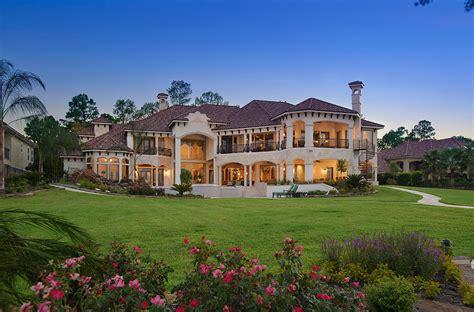 lakefront mansion  houston tx designed  gary keith