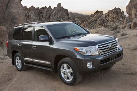 toyota land cruiser 2015 toyota land cruiser reviews and rating motor trend