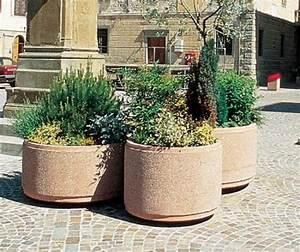 Bac A Fleur En Beton Rectangulaire : jardini re b ton ronde guyon mobilier urbainmobilier ~ Edinachiropracticcenter.com Idées de Décoration