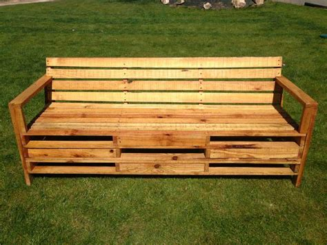outdoor bench    meters pallets  pallets