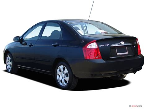 2005 Kia Spectra 4-door Sedan Ex Auto Angular Rear