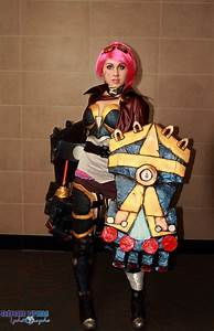 VI cosplay from League Of Legends by dertuli-audrey on ...