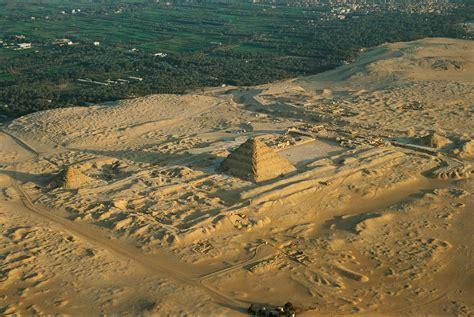 newly excavated  year  egyptian pyramid threatened