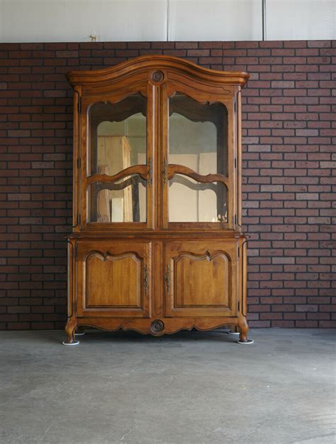 China Cabinet And Hutch by China Hutch China Cabinet Country Hutch By