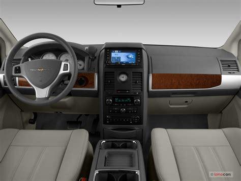 2008 Chrysler Town & Country Interior   U.S. News & World