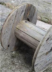 DIY cable spool table - Cool coffee table for your living room