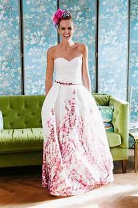 Brautkleid Mit Farbe : brautkleid mit farbe unser yoki hinterl sst sicher einen bleibenden eindruck originell mit ~ Frokenaadalensverden.com Haus und Dekorationen