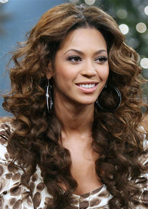 20 Hairstyles For Long Curly Hair The Xerxes