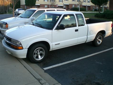 1998 Chevrolet S10 Pickup  Pictures, Information And