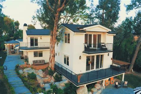 backstreet boy nick carter sells remodeled hidden hills