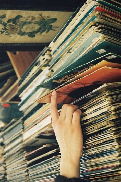 vintage vinyl hours 1000 ideas about vintage record players on 3265