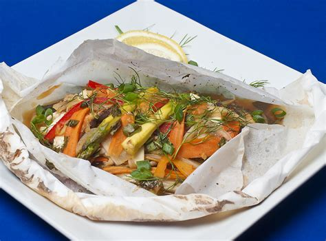 cuisine en papillote black sea bass vegetables en papillote 2gourmaniacs