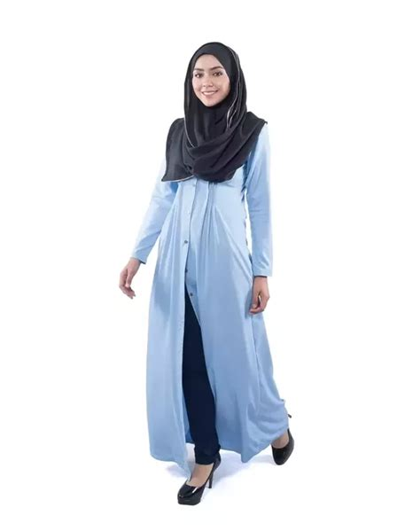 How can Muslim women incorporate modern fashion in their clothes? - Quora