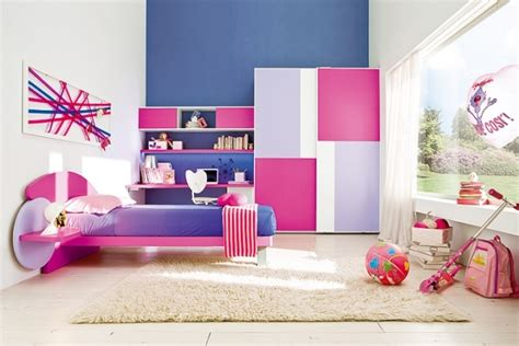 chambre de grande fille armoire chambre enfant 25 idées pratiques et en couleurs