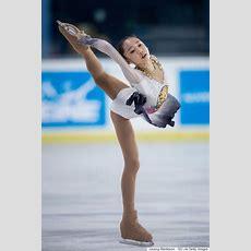 한복을 모티브로 한 의상을 입은 피겨스케이트 선수들 (사진, 영상
