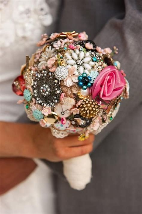 25 Best Ideas About Vintage Wedding Bouquets On Pinterest