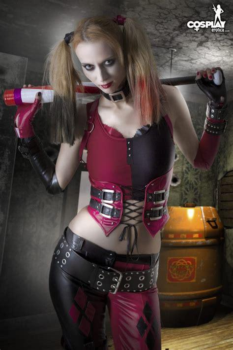 harley cosplay quinn naked erotica revenge costume lana getting cosplayerotica comic cgi