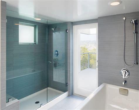 receveur de salle de bain bleue