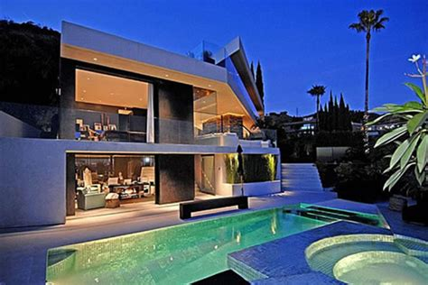 Modern House Design & Architecture Exterior