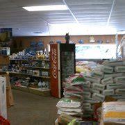wayne s feed store pet stores 3435 auburn st rockford