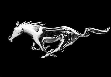 mustang horse logo redirecting