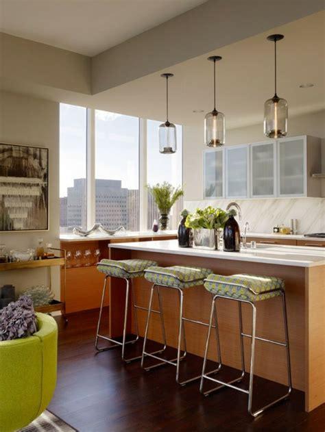 photo de cuisine design éclairage de cuisine 45 idées suspensions ou spots à choisir