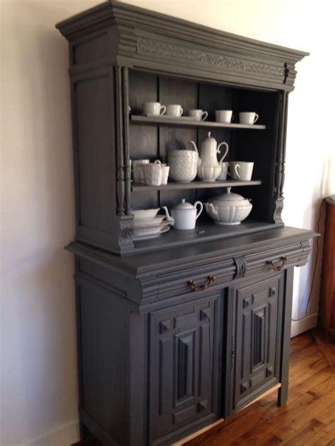 customiser cuisine en bois peindre un meuble en bois vernis 14 diy relooker un