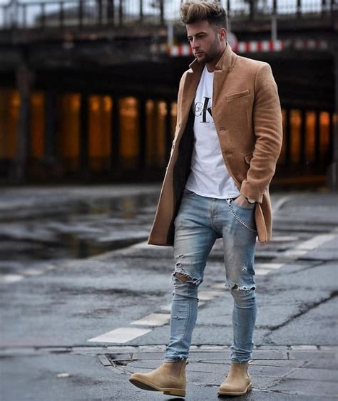 26 Best White T-Shirt Outfit Styles Every Man Loves to Try - LooksGud.in